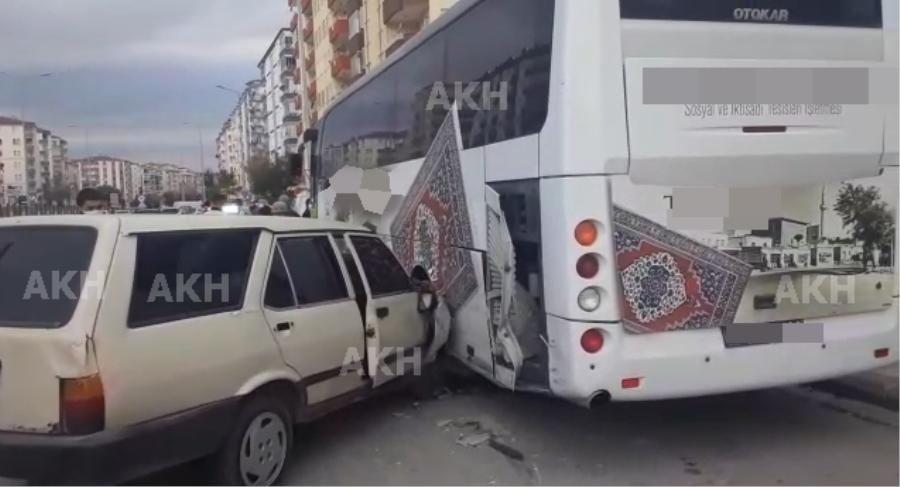 Aksaray'da 3 aracın karıştığı zincirleme kaza